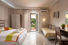 Sarti-Hotel-Ammos-Rooms-Apartments-Studios-Halkidiki-triple-001