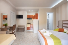 Sarti-Hotel-Ammos-Rooms-Apartments-Studios-Halkidiki-triple-005